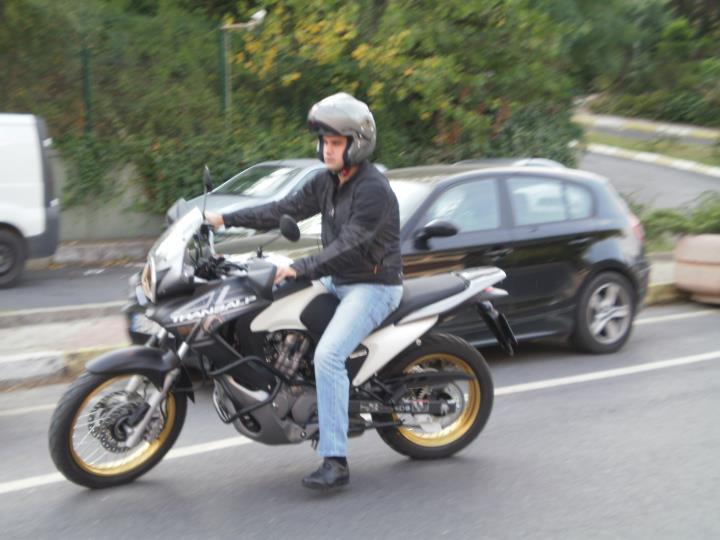 Motosiklet Sürüşünde Kaskınızı Kesinlikle Takın