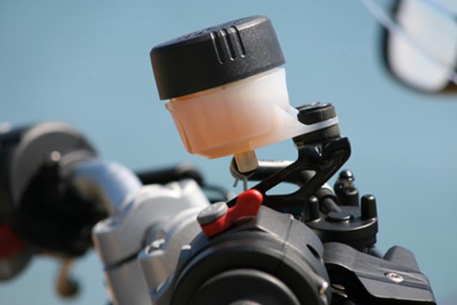 Motosikletlerde Fren Hidroliği Bakımı Nasıl Yapılır ?